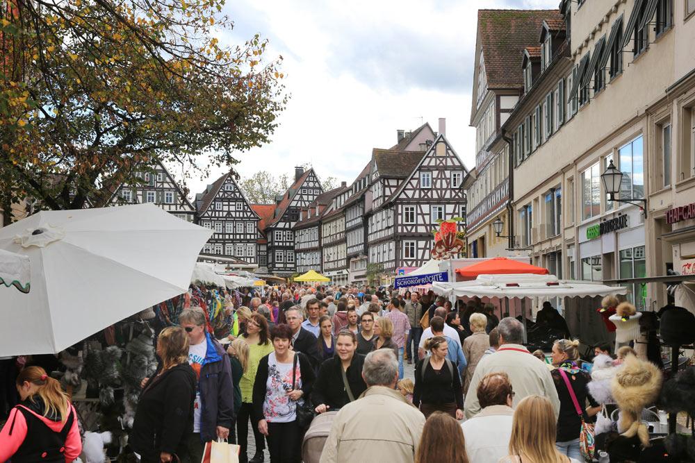 Der Stadtmarkt lockt immer viele Besucher an.