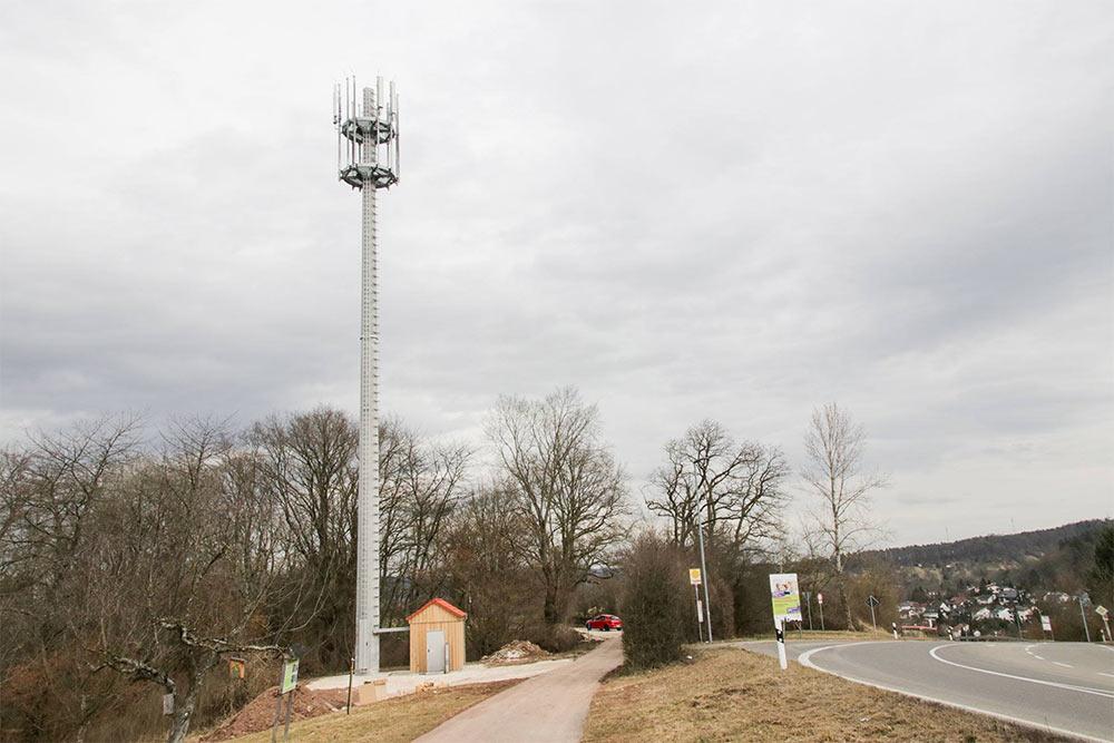 Der neue Mobilfunkmast auf dem Ottilienberg.