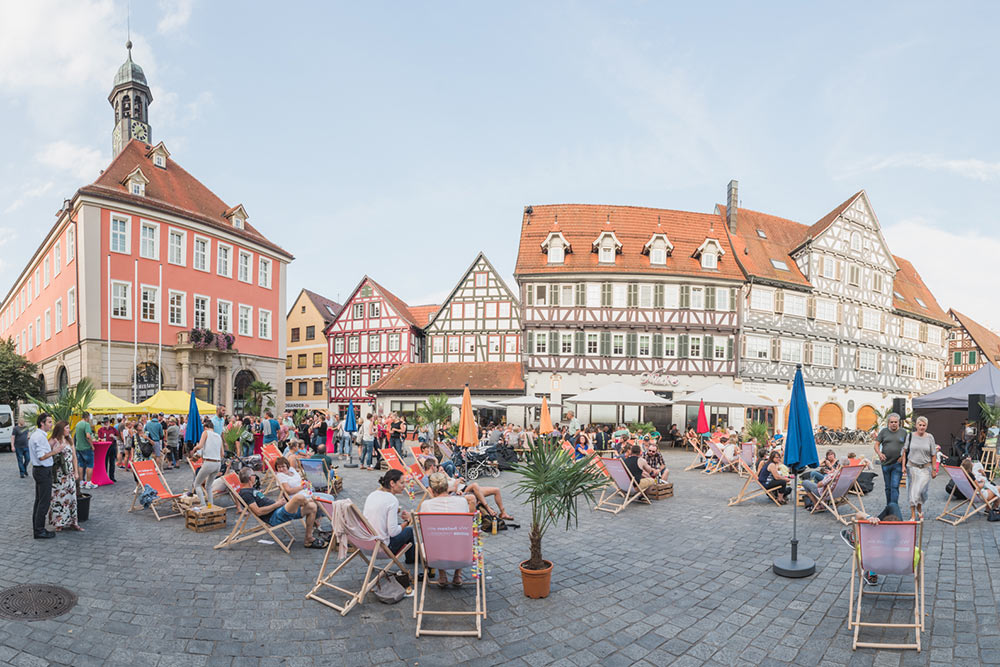 Der Marktplatz lädt ab kommender Woche immer donnerstagabends von 17 bis 22 Uhr zum entspannen ein.