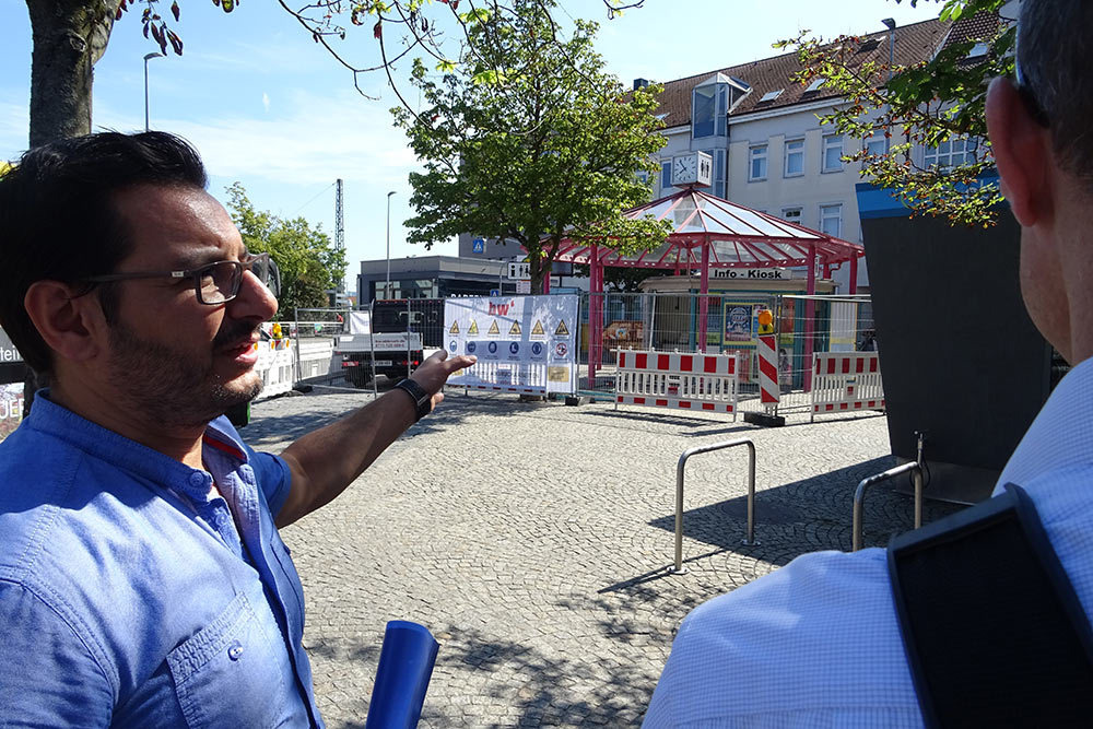 Die neue Toilettenanlage am Karlsplatz soll bis zum Ende der Ferien fertiggestellt sein.