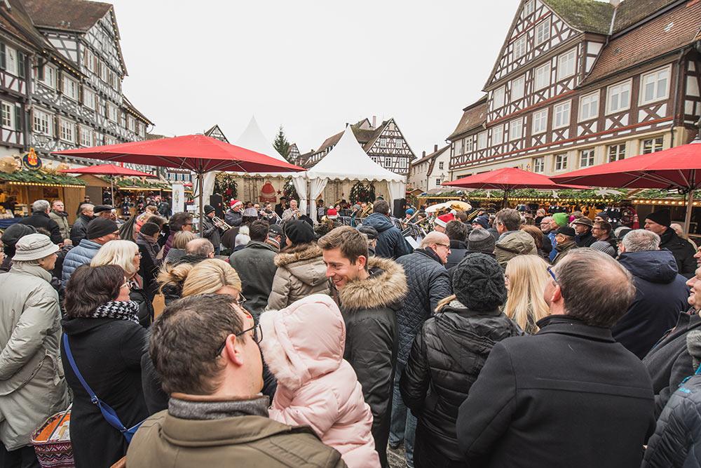 Zur Eröffnung kamen viele Besucherinnen und Besucher.