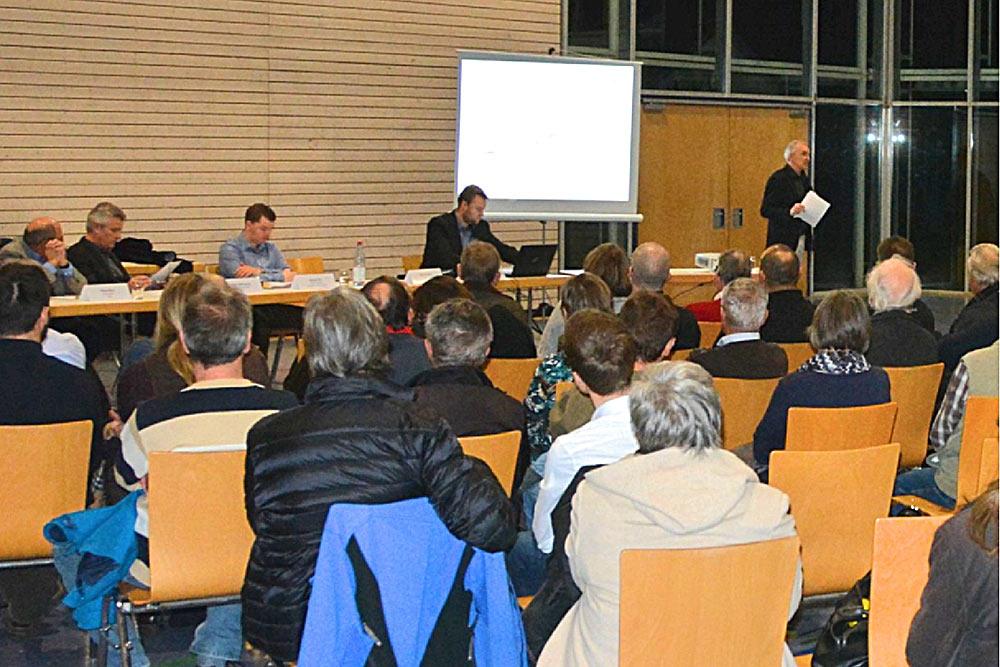Die Verwaltung informierte in Weiler über die neue Einbahnstraßenregelung.