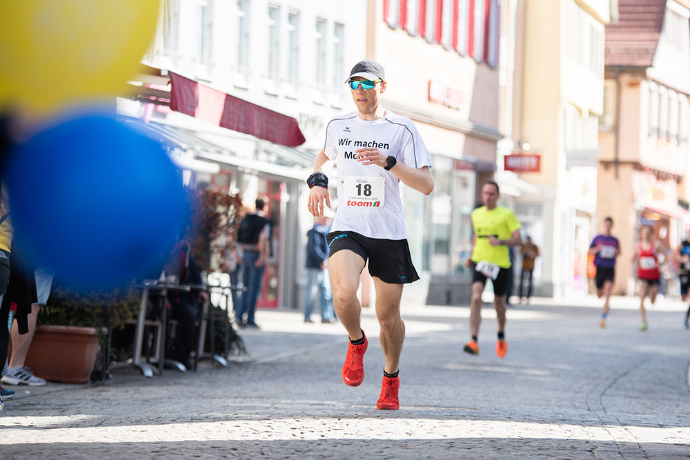 Markus Bauer lief im Hauptlauf nach 26:57 Minuten als Erster über die Ziellinie.