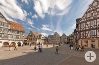 Oberer Marktplatz in Schorndorf mit einigen Personen