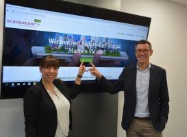 Katja Plieninger und Bürgermeister Thorsten Englert