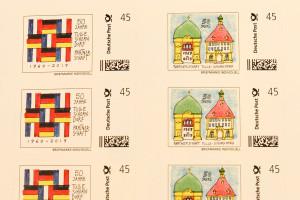 Jeweils fünf Briefmarken jedes Designs befinden sich auf einem 10er Bogen.