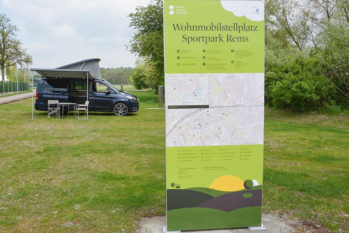 Herzlichen Dank: Das Schorndorfer Unternehmen Burger Schloz stellte für das Pressefoto einen Camper zur Verfügung.