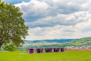 Die neu gestaltete Aussichtsplattform auf dem Grafenberg lädt zum Verweilen ein und bietet einen atemberaubenden Blick über Schorndorf.