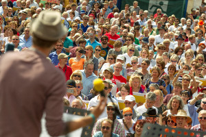 """Am Sonntag, 7. Juli, findet von 15 bis 17 Uhr auf dem Marktplatz unter dem Motto """"Das Remstal singt. Sing mit!"""" ein offenes Singen statt."""