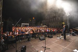 Zum besonderen Jubiläum der Schorndorfer Woche trat Floyd Reloaded auf dem Marktplatz auf und zeigte eine beeindruckende Show.