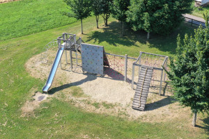 Tolle Kletteranlage auf dem Spielplatz Lauswiesen.