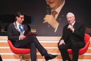 Roland Wöhr (rechts) ist neuer Ehrenbürger der Stadt Schorndorf.