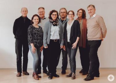 Der Vorstand des Kinderschutzbundes steht zusammen