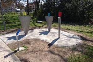 Die neuen Trittflächen für die Klangstationen im Stadtpark