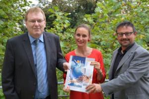 Oliver Basel, Carmen Wirth und Dr. Holger Dietrich stellen das neue Semesterprogramm vor