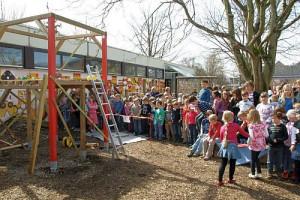 Ein Spielhaus, geplant und gebaut von Hauptschülern