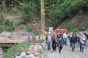 Gemeinderäte und Ortschaftsräte informieren sich über den Baufortschritt
