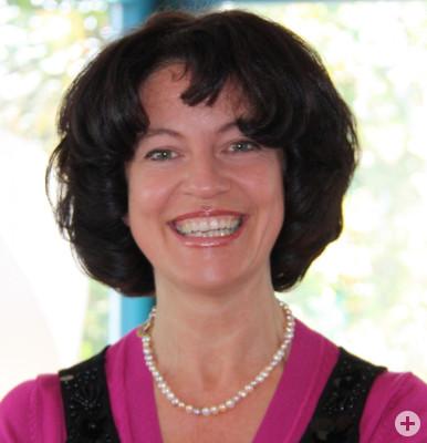 Porträt von Karin Kipper, Yogatherapeutin, Vyana-Yoga Dozentin, Heilpraktikerin für Psychotherapie