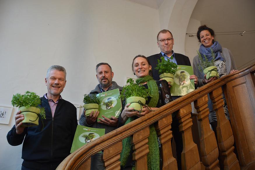 Volkshochschule Schorndorf stell neues Semesterprogramm von Februar bis September vor