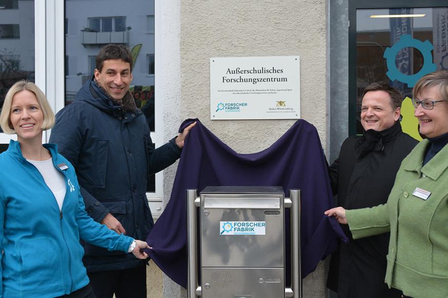 Sabine Neumüller, OB Matthias Klopfer, Claus Paal, MdL, und Andrea Bergler. (v.l.).