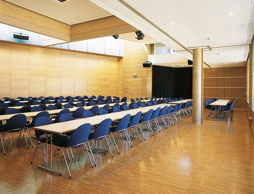 Reinhold-Maier-Saal in der Barbara-Künkelin-Halle