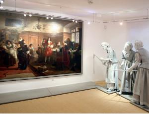 Gemälde und Figuren von den Schorndorfer Weibern im Stadtmuseum Schorndorf
