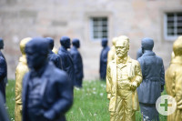 Die Daimlerfiguren im Schlosspark.
