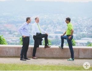 Englert, Arnold und Klopfer im Gespräch.