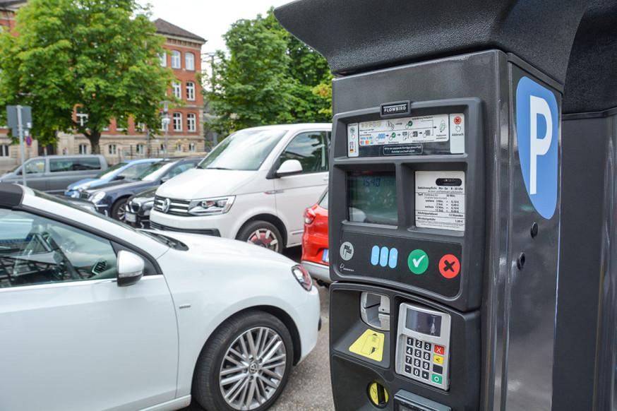 Künftig kann das Parkticket mit der SchorndorfCard bezahlt werden.