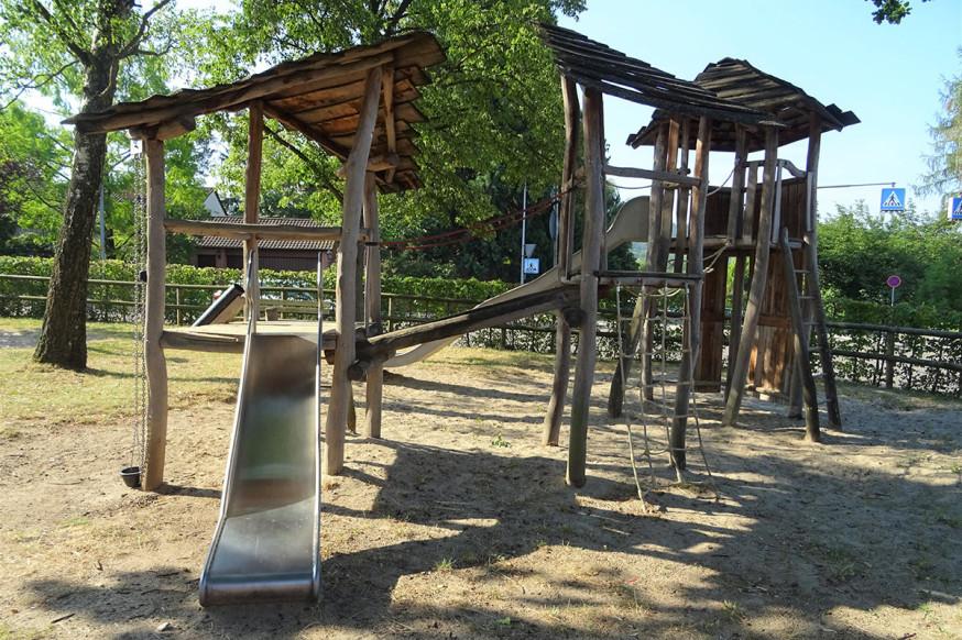 Lädt zum Spielen ein: der Kinderspielplatz Altes Hallenbad in der östlichen Kernstadt.