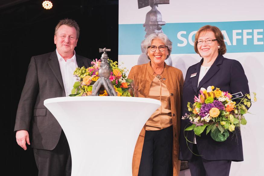 Jürgen Linsenmaier, Doris Schäfer und Gabriele Koch bei der Preisverleihung.