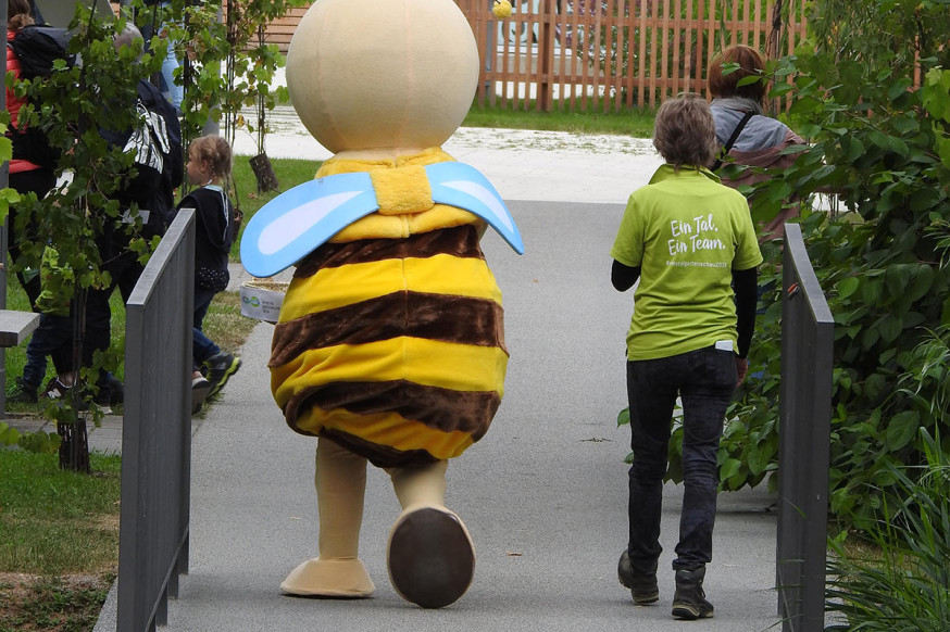 Ein Tal. Ein Team. Eine Biene - Remsi.