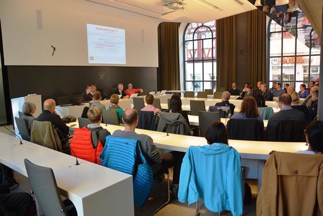 EBM Edgar Hemmerich begrüßte gemeinsam mit einigen Stadträtinnen und Stadträten die Schorndorfer Neubürger.