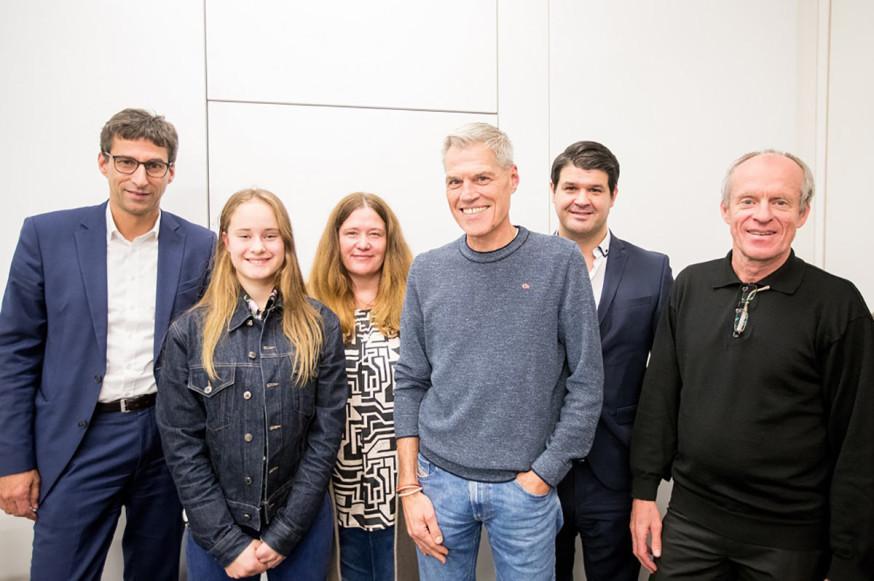 Die SportRegion Stuttgart hat eine Patenschaft für die BMX-Fahrerin Alina Beck übernommen. V.l.: Matthias Klopfer, Alina Beck, Christina Beck, Thomas Fuhry, Tim Lamsfuss und Herbert Wursthorn.