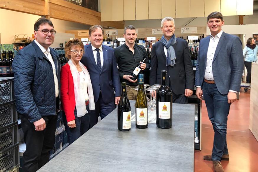 Der neue Bürgerstiftungswein ist ab sofort im Weinhaus Binder erhältlich.