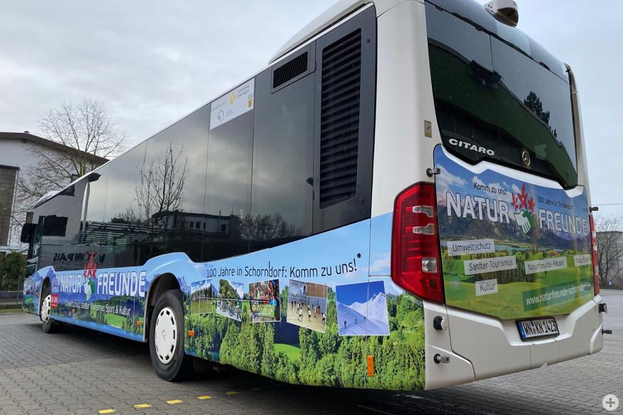 100 Jahre NaturFreunde: Dieser Werbebus fährt seit Kurzem durch die Stadt.