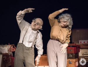 Wenn sie tanzen, summt die Welt: monsun.theater.