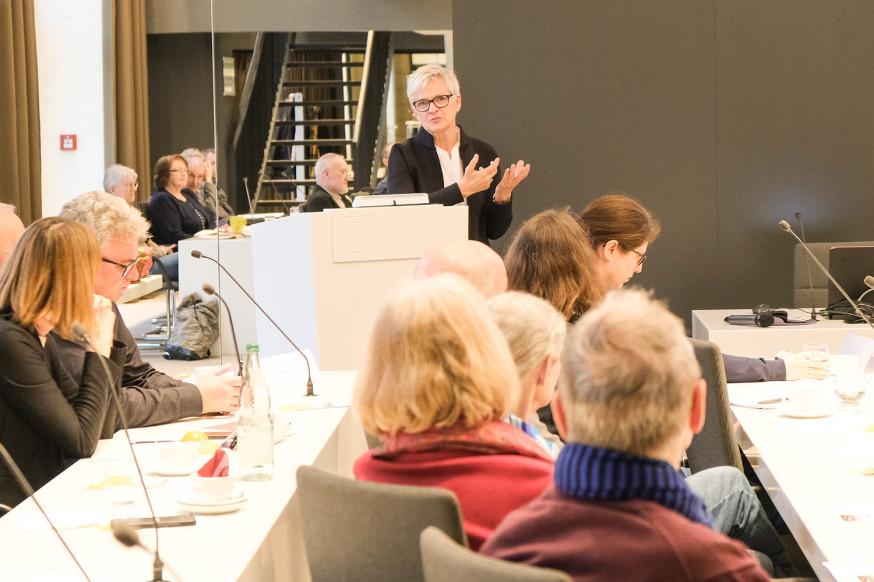 Prof. Dr. Barbara Lenz vom DLR spricht über die Zukunft der Mobilität.