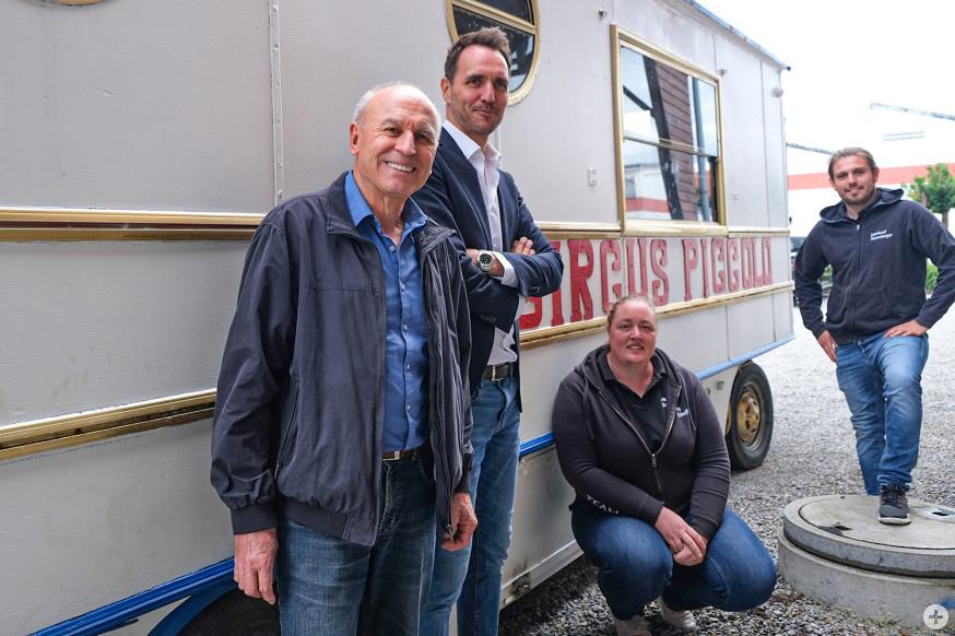 Die Rotarier spendeten einen Zirkuswagen ans Jugendhaus Altlache.