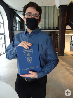 Lucas Piatti mit dem Rotary Schülerpreis