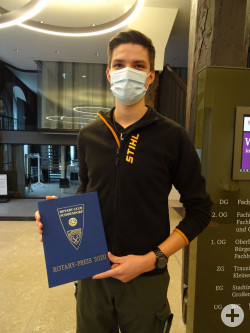 Marius Teufel mit dem Rotary Schülerpreis