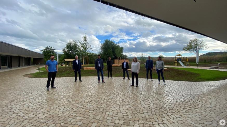 Gruppenbild zur Eröffnung der Kita Stöhrerweg