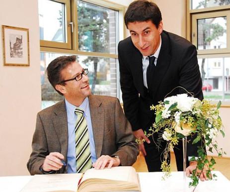 Minister Peter Hauk (links) und OB Klopfer