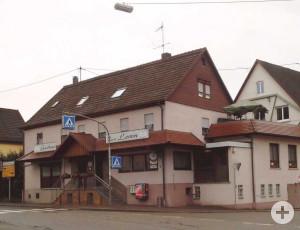 """Das Gasthaus """"Zum Lamm"""" in Schornbach vor der Sanierung."""