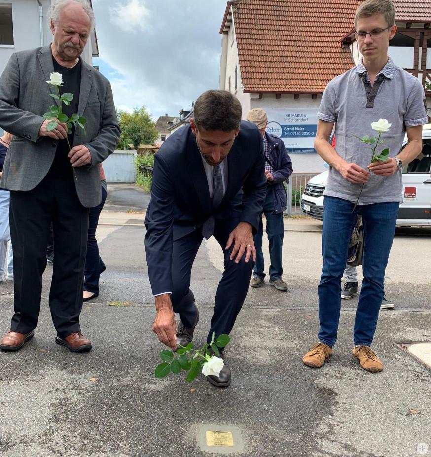 Oberbürgermeister Matthias Klopfer gedenkt den Opfern